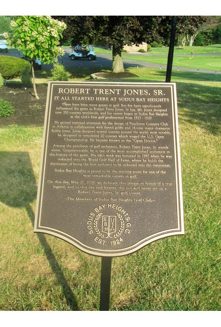 Robert Trent Jones Plaque 440x650