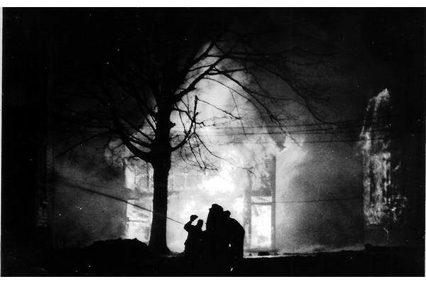 Fire House Burning Photo 600x400
