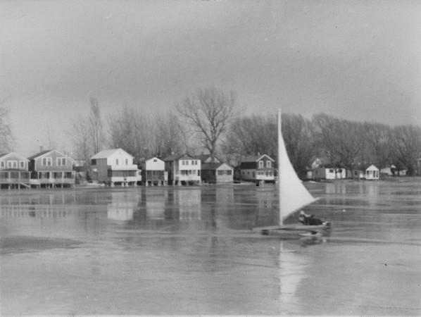 Ice boat 1940s 598x450