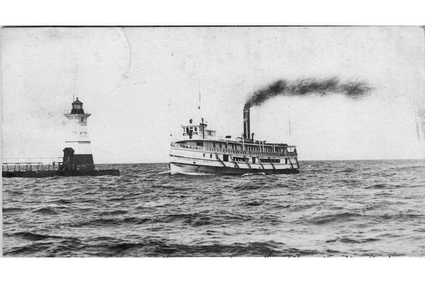 Arundel at Sodus Point, 1907 600x400