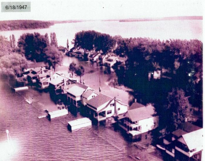 Flooding 1947 700x550