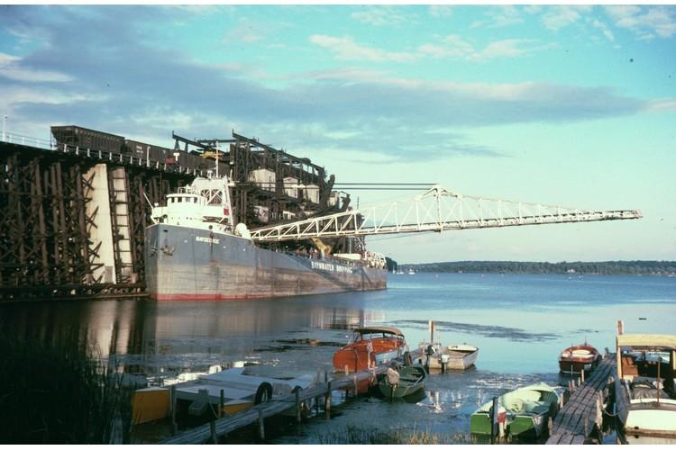 Ship Loading Coal 750x